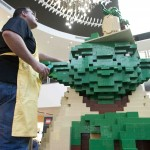 Lego Star Wars Yoda Event_Ryan McNaught builds head