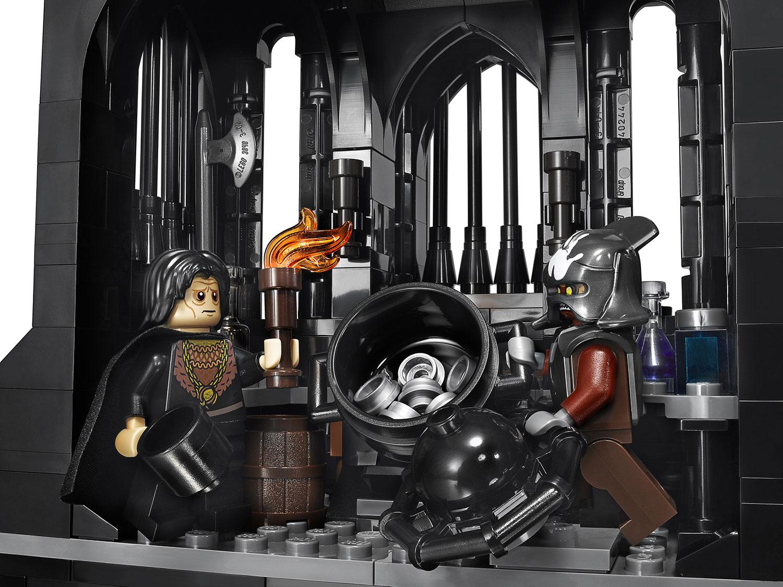 LEGO-Tower-Of-Orthanc-10237-gunpowder