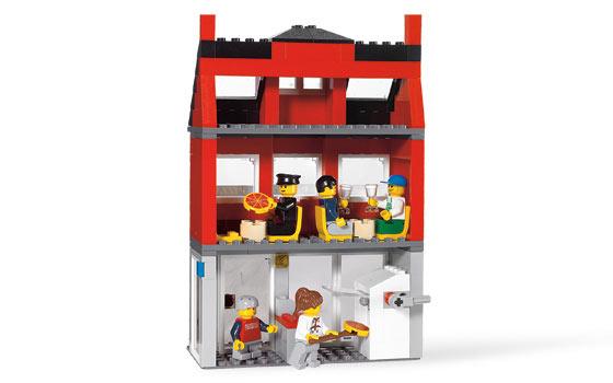 Lego City Corner Review Set 7641